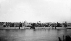 Historical view of Baghdad and the Tigris river